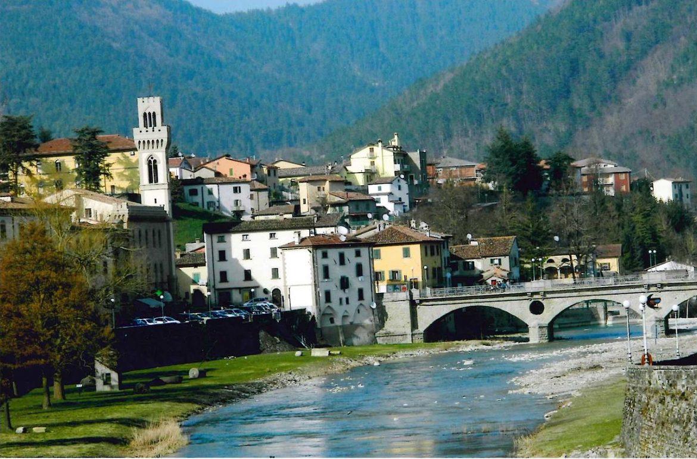 1280px-Ponte_Vecchio_Santa_Sofia_3