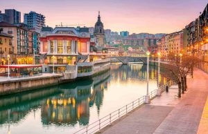 Veduta-del-lungofiume-di-Bilbao